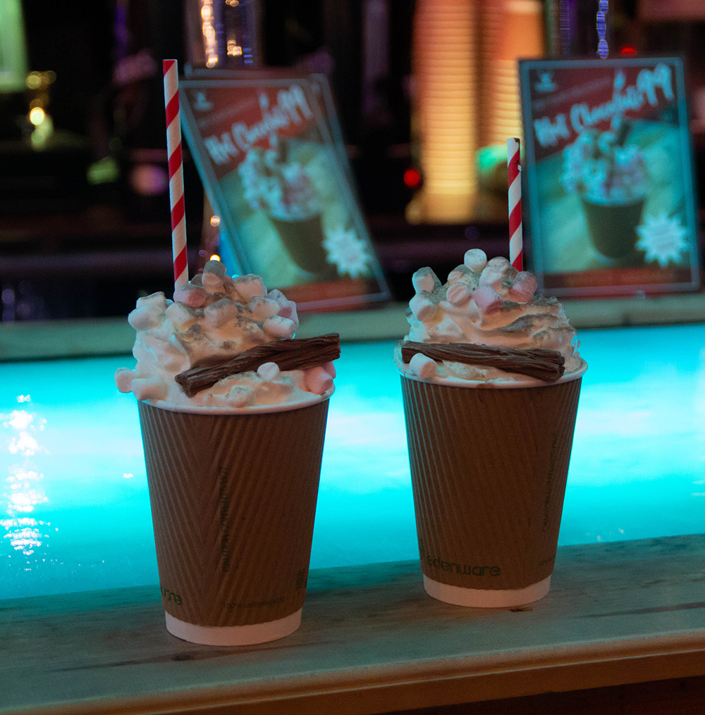 https://icescape-tropicana.co.uk/wp-content/uploads/2019/08/Hot-Chocolate.jpg